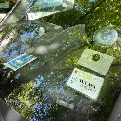 """Laura Facini: Parcheggio per residenti: il """"macaron"""""""