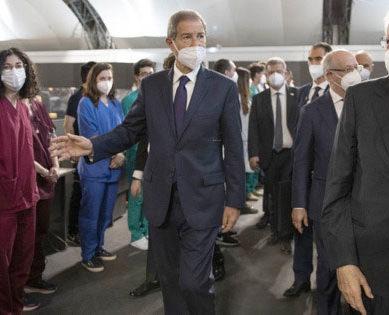 COVID, Mattarella visita l'HUB vaccinale della Fiera di Palermo